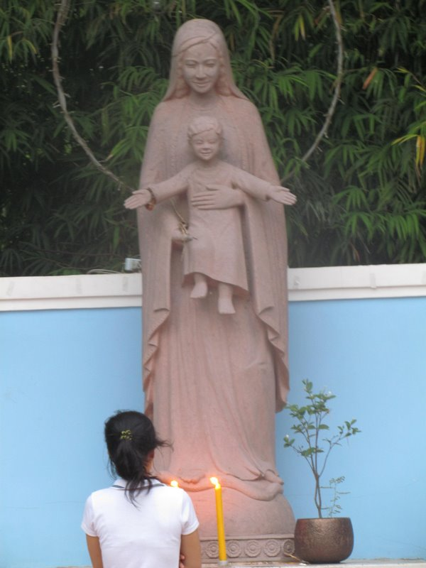 Madonna and Child on the streets of Siem Riep, Cambodia